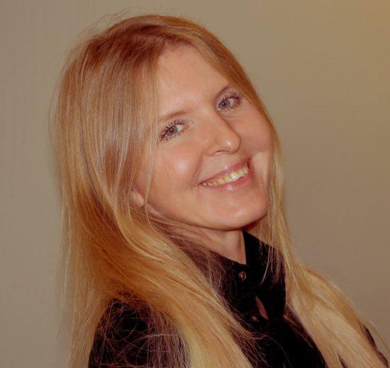 יאנה קדנצבה, מנהלת לקוחות ללקוחות  SMB